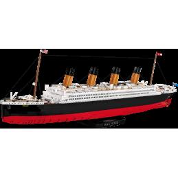 R.M.S TITANIC 1:300